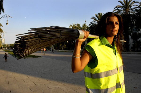 Street cleaner with broom