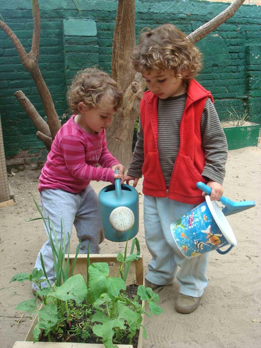 life in barcelona nursery school in barcelona kinder barcelona kinder nursery children at play
