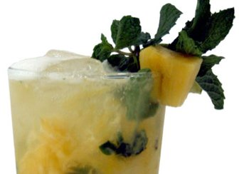 Ginger and pineapple mojito - thumb