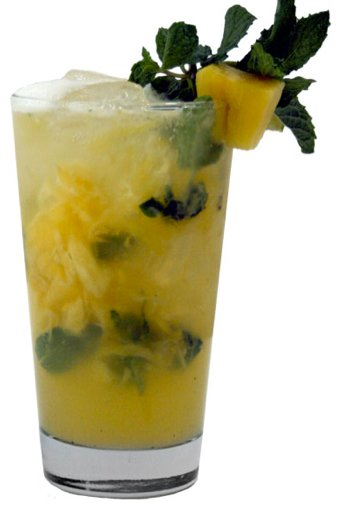 Ginger and pineapple mojito