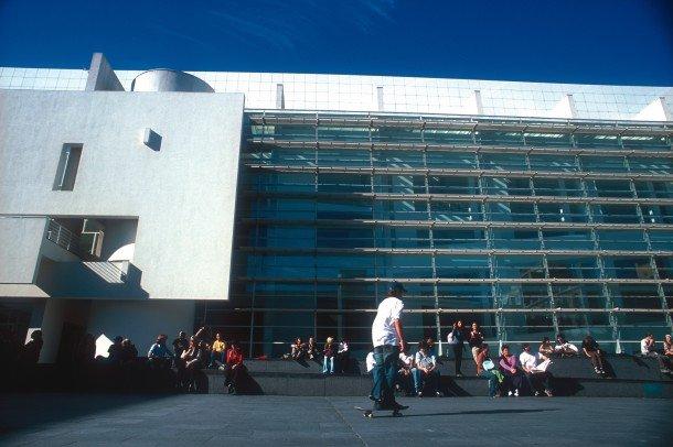 museu-d'art-contemporani-de-barcelona-macba-museum-contemporary-art-www-barcelona-metropolitan.com-2.jpg