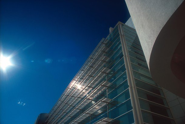 museu-d'art-contemporani-de-barcelona-macba-museum-contemporary-art-www-barcelona-metropolitan.com-3.jpg