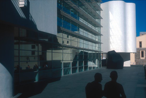 museu-d'art-contemporani-de-barcelona-macba-museum-contemporary-art-www-barcelona-metropolitan.com-4.jpg